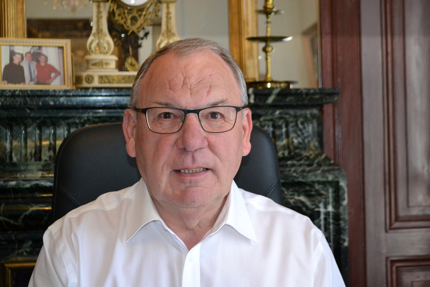 Claude Cazabat_bureau_web